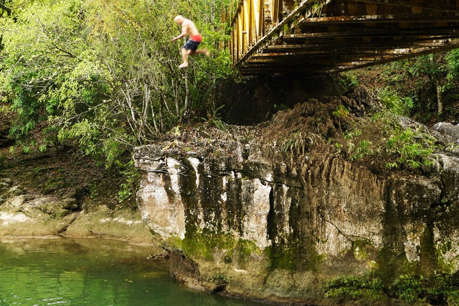 bridge-jump-semuc-champey
