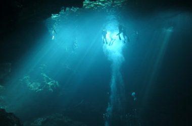 dive-cenote-the-pit-tulum-stingy-nomads