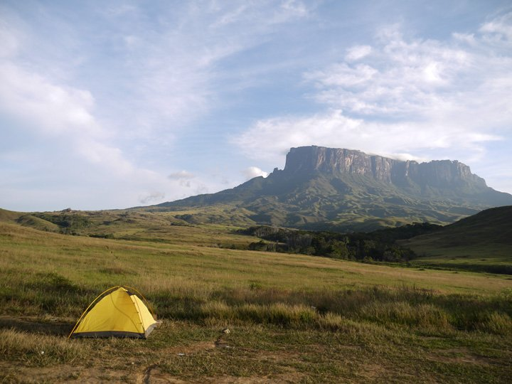 Camping on the way up. Roraima trek