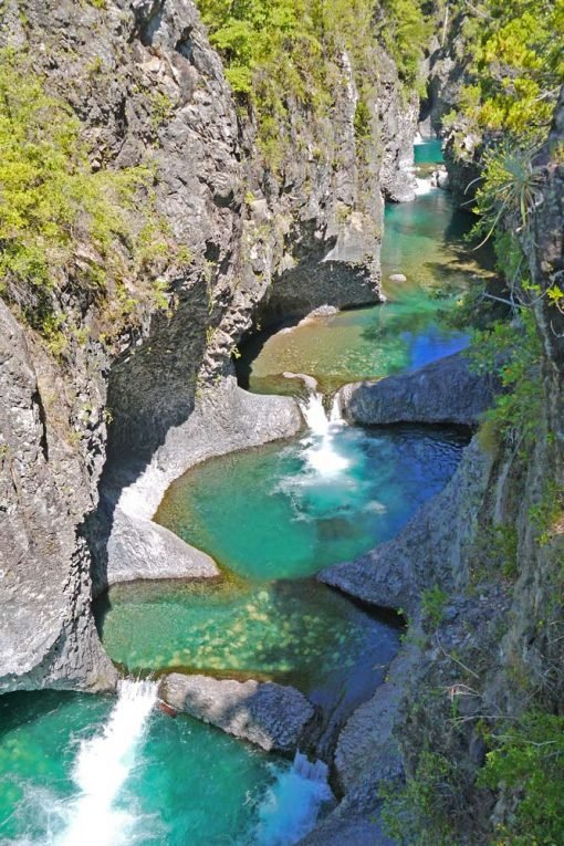Severn rock pools with turquoise water in Siete Tazas National park, Chile