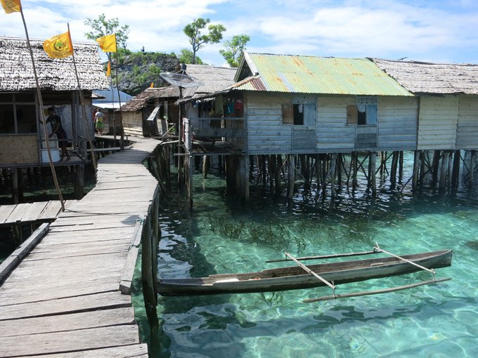 In the village Palau Papan