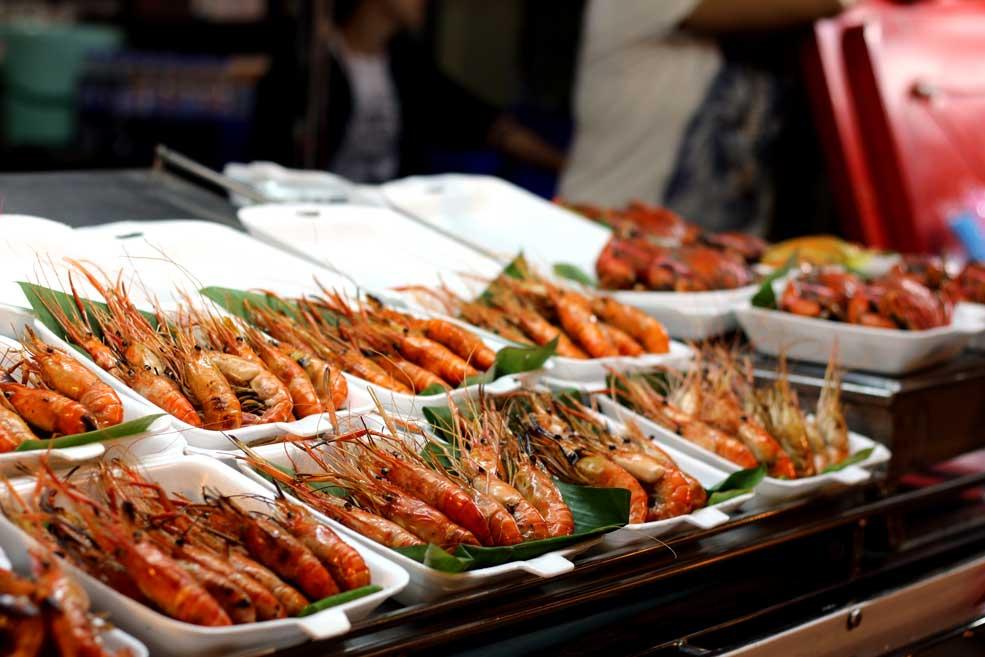 King size prawns, Amphawa market, Thailand