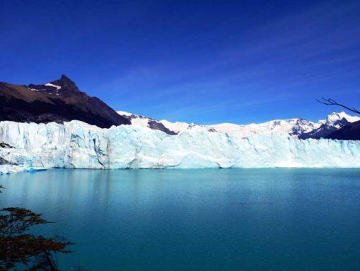Perito Moreno galcier , El Calafate, Argentina. Perito Moreno backpacker's guide