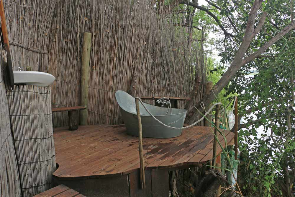 Jungle bathroom at Ngepi campsite