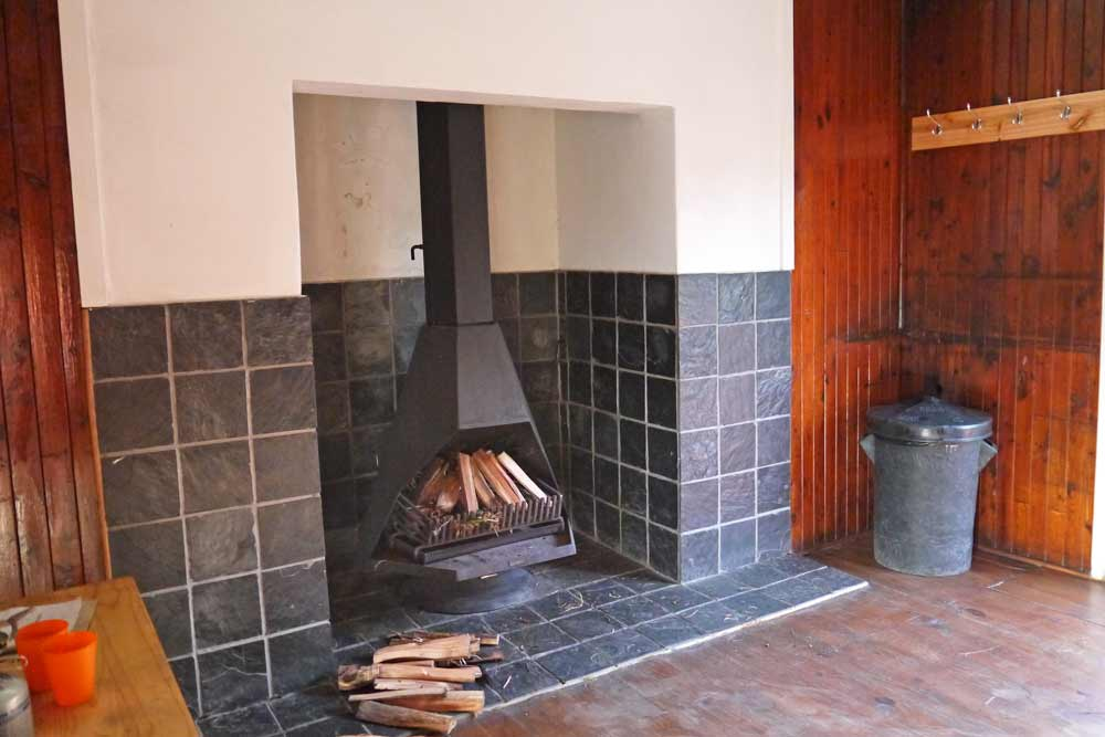 A fireplace in Platbos hut
