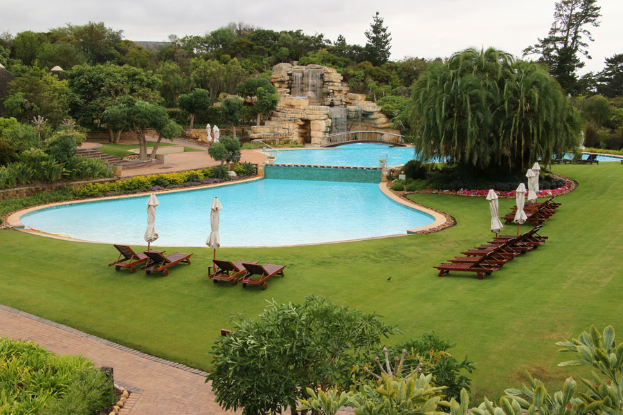 swimming pool at Arabella