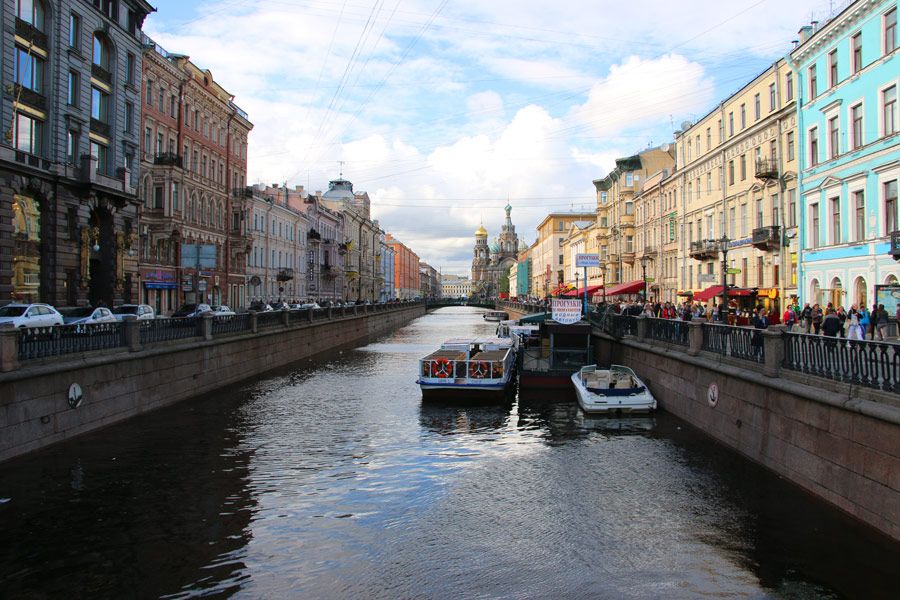Griboedov canal with Church of the Savior on Spilled Blood. Things to do in St.Petersburg