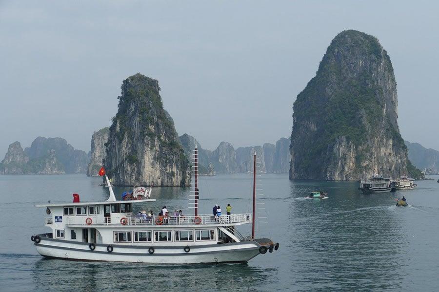 Ha Long Bay junkboat