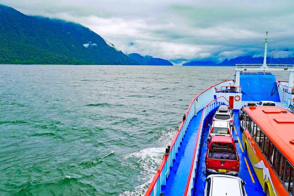 Ferry Hornopiren - Caleta Gonzalo