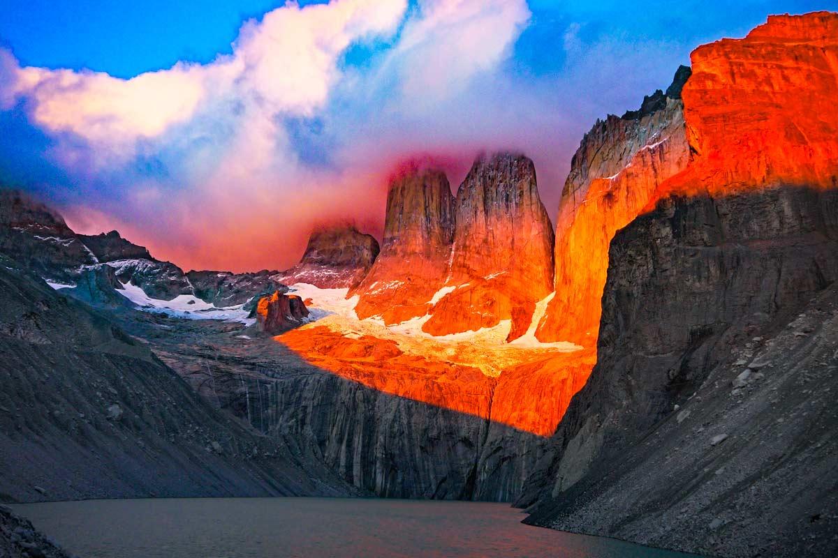 Sunrise at Mirador Las Torres, W-trek