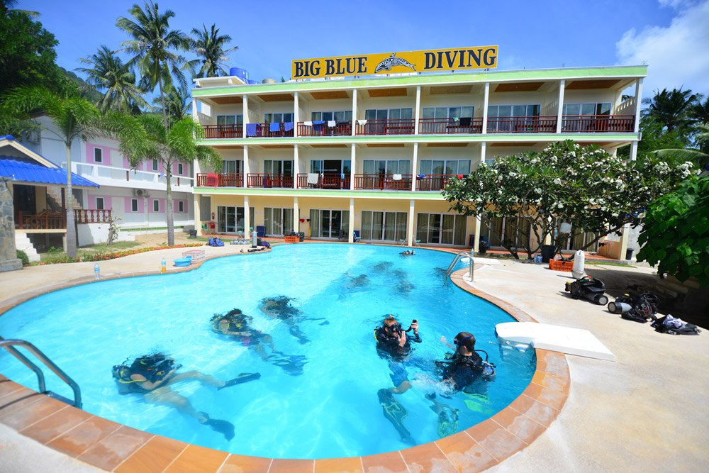 Big Blue Diving Resort