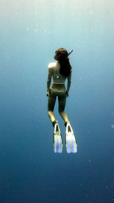 Free diving Roatan Honduras Alya Stingy Nomads