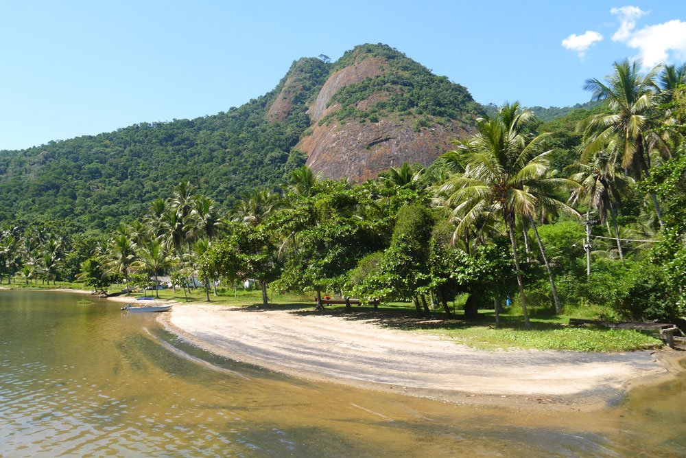 Many beaches on the hike around Ilha Grande