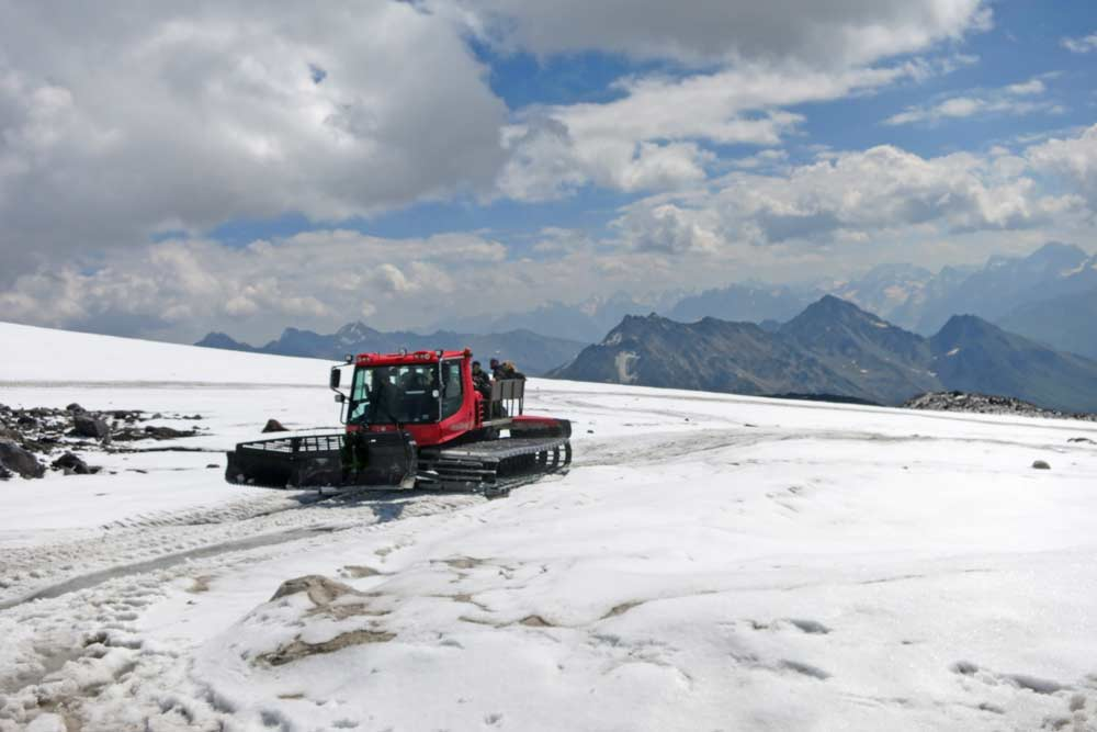 A snow cat on Elbrus waiting for climbers