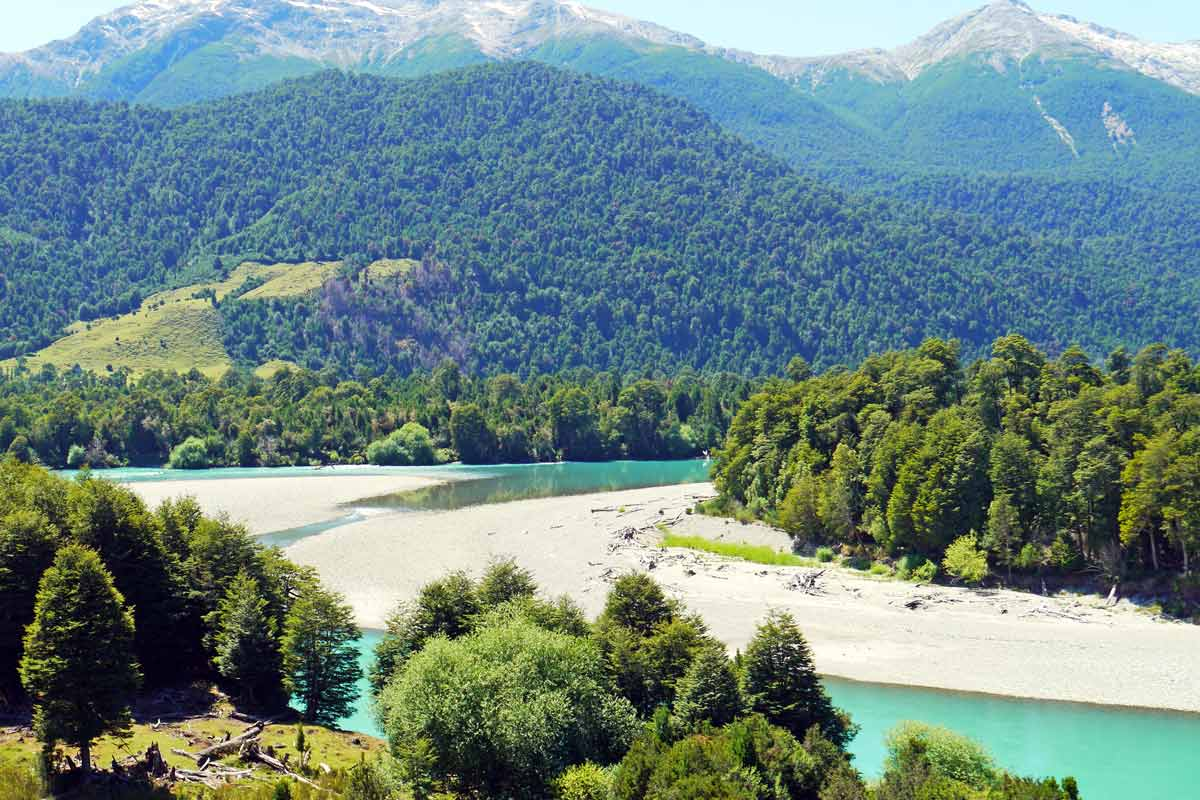 River, mountains and forest on the Carretera Austral