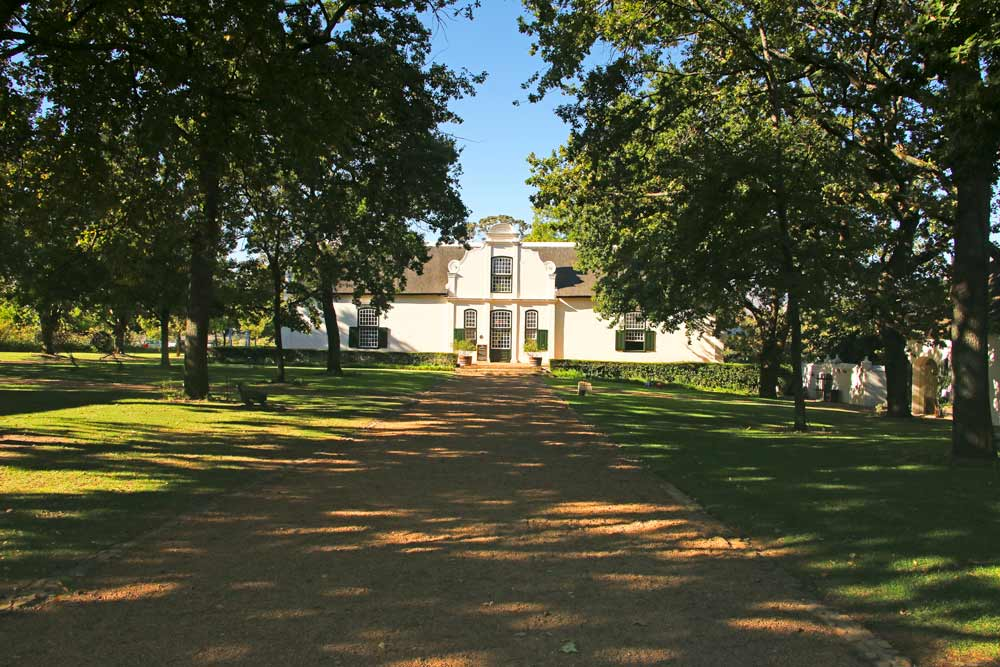 A visit to the Boschendal wine estate is one of the main things for food and wine lovers