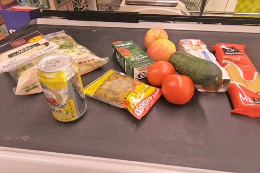 Food for lunch and dinner that I bought at a supermarket on the Camino