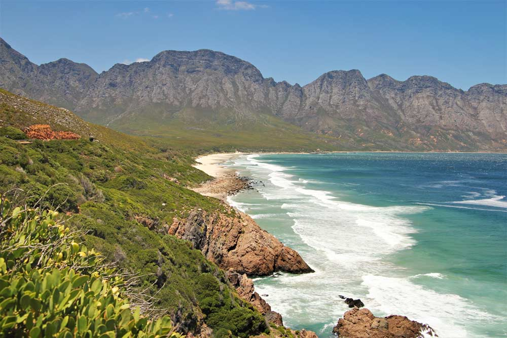 A beautiful coastal scenery drive from Cape Town