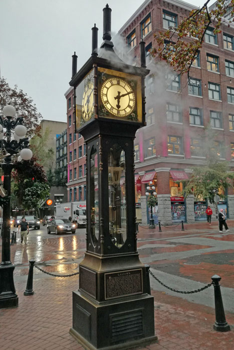 things to do in Vancouver see steam clock in Gas Town