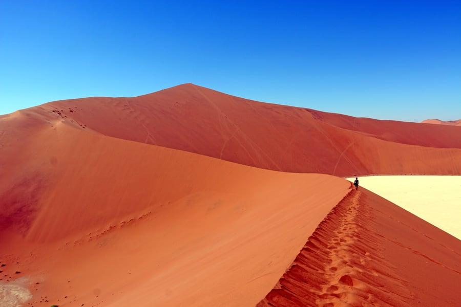 walking on Bid Daddy dune sossusvlei namibia